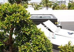 Urbanica The Meridian Hotel - Miami Beach