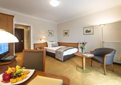 Hotel Warmbaderhof - Villach - Bedroom