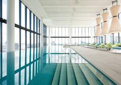 Crown Metropol Melbourne - Melbourne - Pool