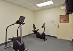 Ramada Plaza Anaheim - Anaheim - Gym