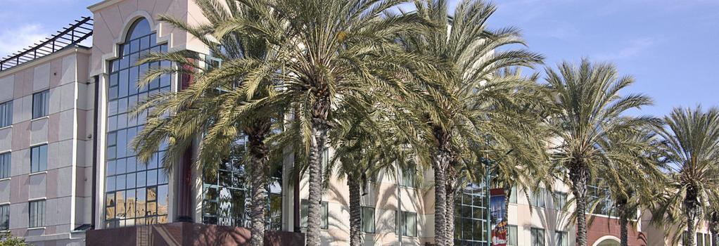 Ramada Plaza Anaheim - Anaheim - Building
