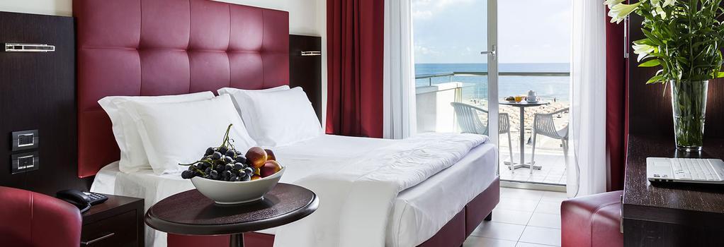 Hotel Terminal Palace & Spa - Rimini - Bedroom