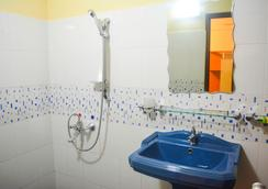 Vj City Hotel - Colombo - Bathroom