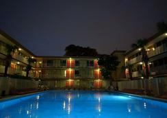 Red Carpet Inn Airport/Cruiseport - Fort Lauderdale - Pool