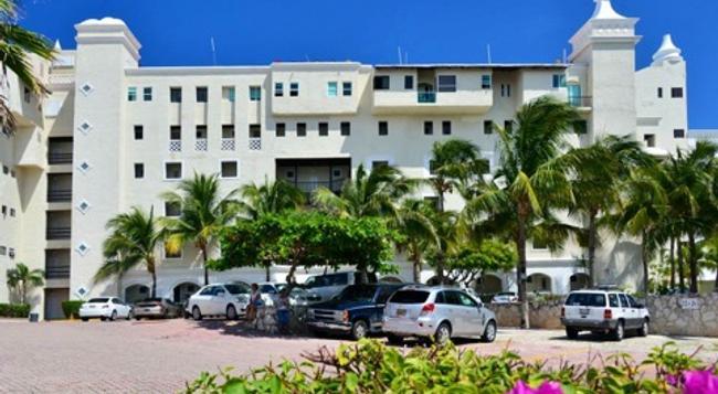 Bsea Cancun Plaza Hotel - Cancun - Building