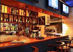 Hôtel Restaurant La Ribaudière - Antananarivo - Bar