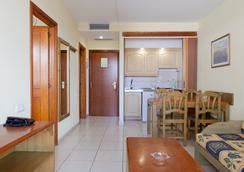 Hotel Apartamentos Andorra - Arona - Bedroom