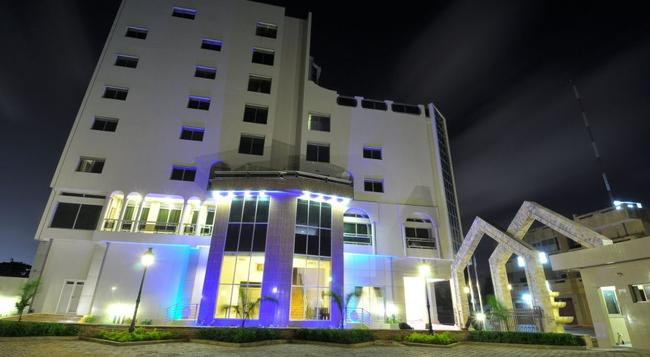 Bénin Royal Hôtel - Cotonou - Outdoor view