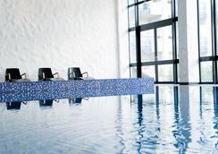 Van der Valk Hotel Schiphol A4-Amsterdam Airport - Hoofddorp - Pool