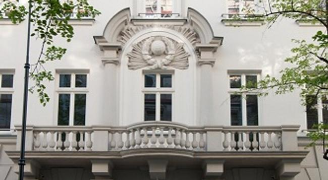 H15 Boutique - Warsaw - Building