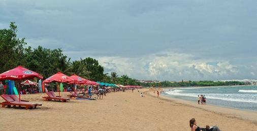 Wina Holiday Villa - Denpasar - Beach