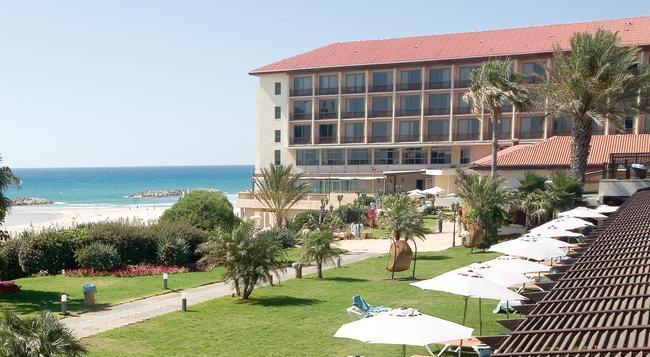 Dan Accadia Hotel - Herzliya - Building